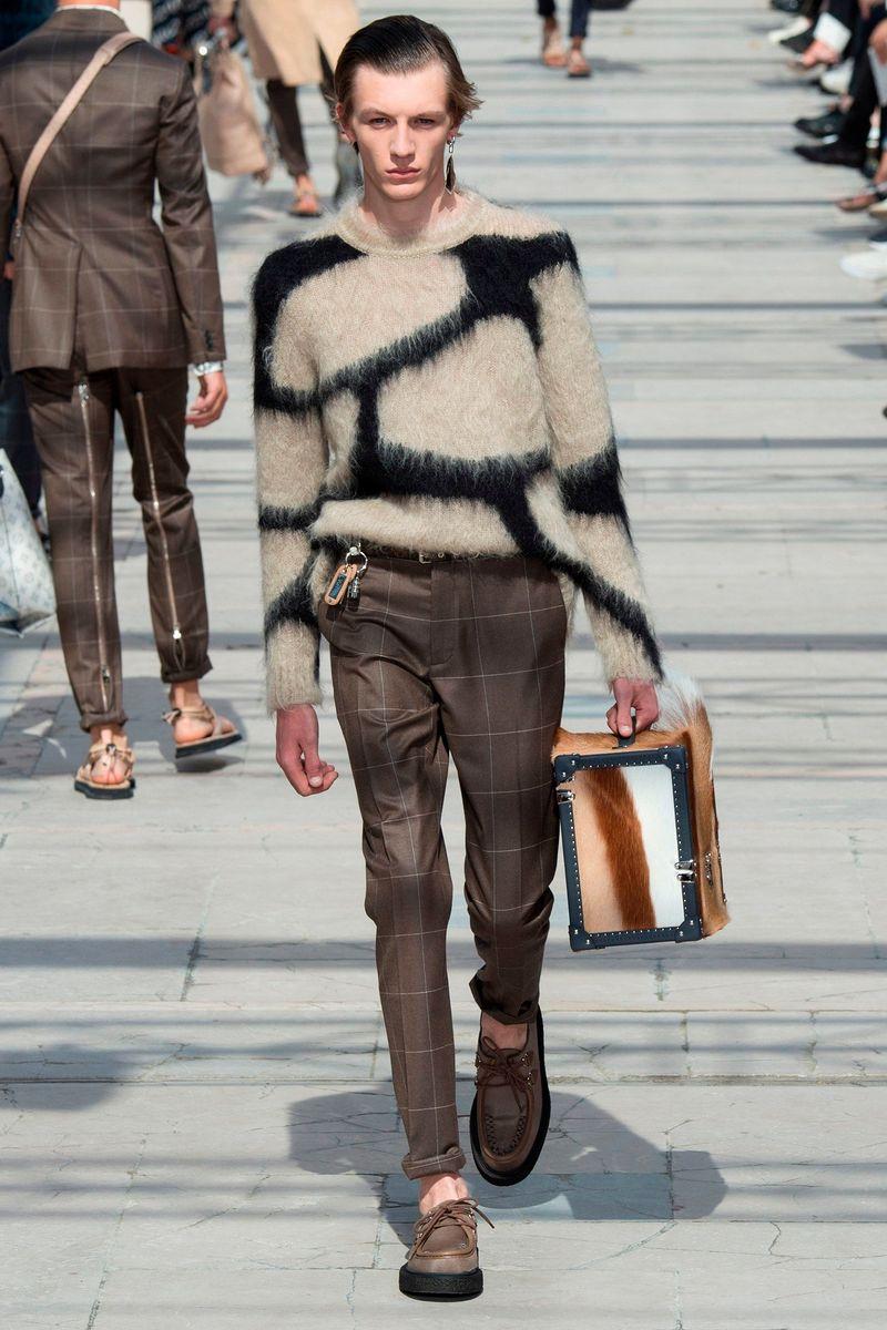 Фото №1: Свитер Louis Vuitton из коллекции Весна-лето 2017