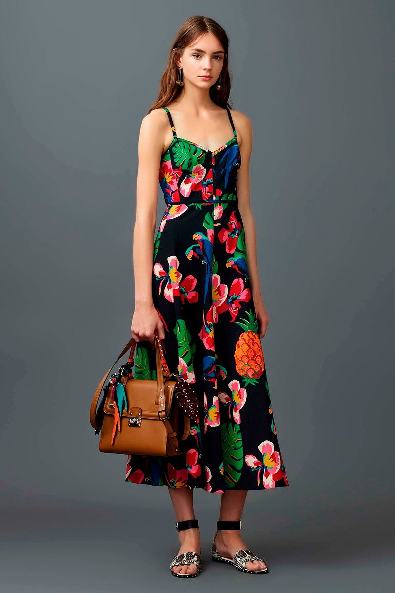 ������ Valentino �� ��������� Resort 2017