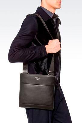 Фото №2: Мужская сумка Emporio Armani из коллекции Весна-лето 2017