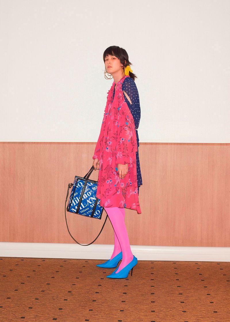 Фото №2: Платье от Balenciaga из коллекции Resort 2018