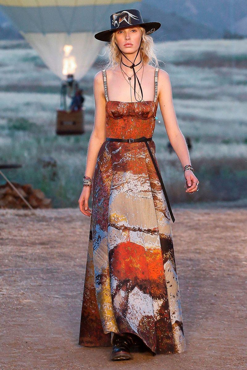 Фото №1: Сарафан от Christian Dior из коллекции Resort 2018