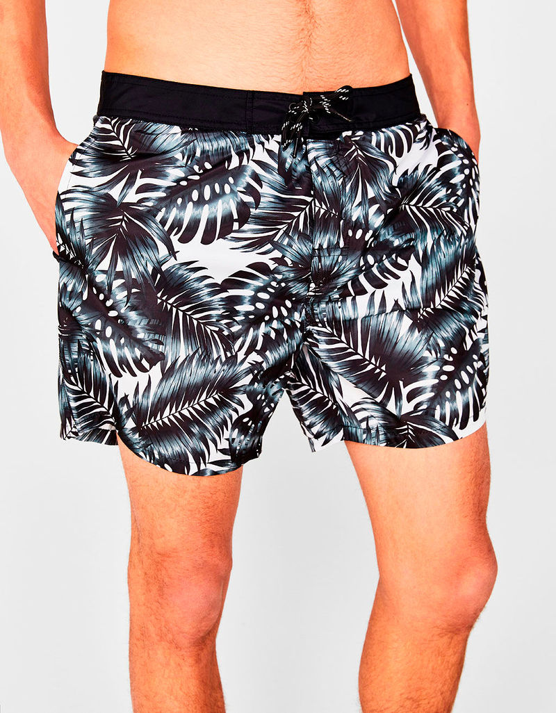 Фото №2: Плавки от Bershka из коллекции Мужской пляжной одежды