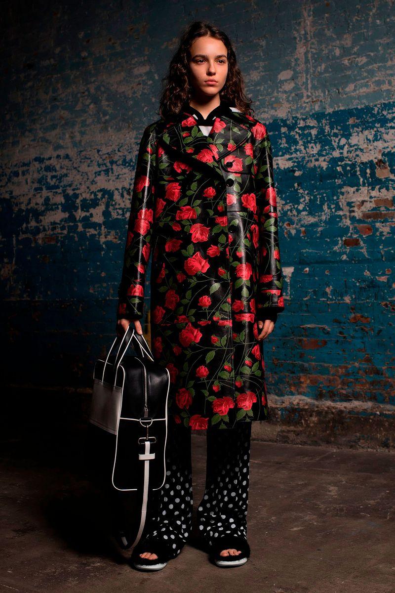 906fd50a55c0 Новая Коллекция Женская одежда Pre-Fall 2018 Майкл Корс (Michael ...