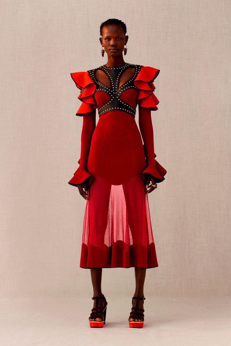 Фото №1: Платье от Alexander McQueen из коллекции Pre-Fall 2018