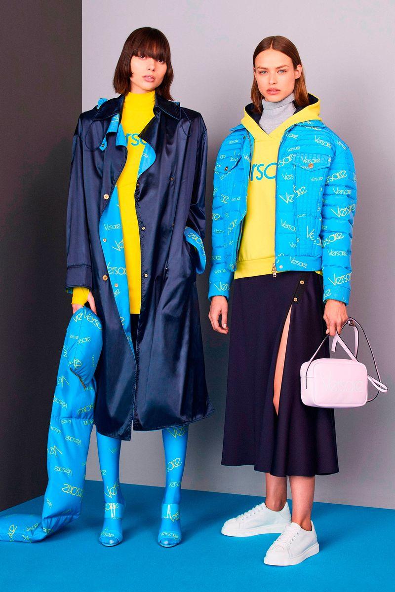 b5bd37edc152 Новая Коллекция Женская одежда Pre-Fall 2018 Versace, каталог ...