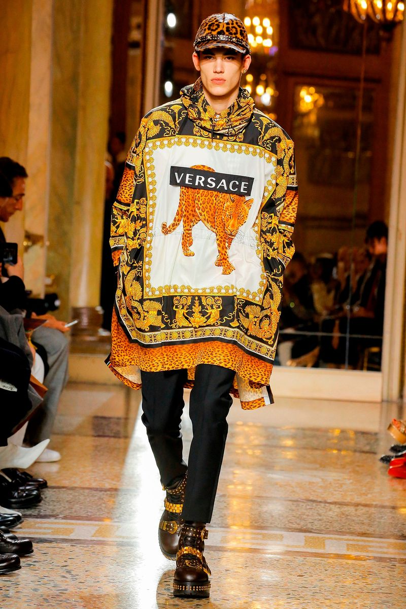 307edf430abe Новая Коллекция Мужская одежда Fall 2018 Versace, каталог фотографий Versace  Осень-Зима 2018 19