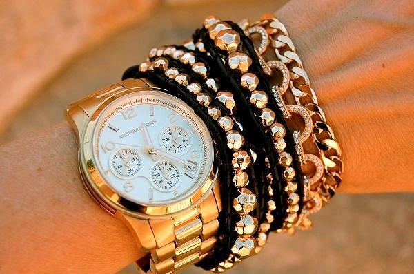 Модные ювелирные украшения и часы 2017 года