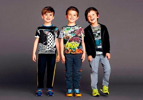 Модная спортивная обувь для мальчиков
