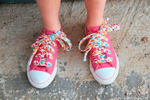 Модная детская обувь с цветной шнуровкой, фото