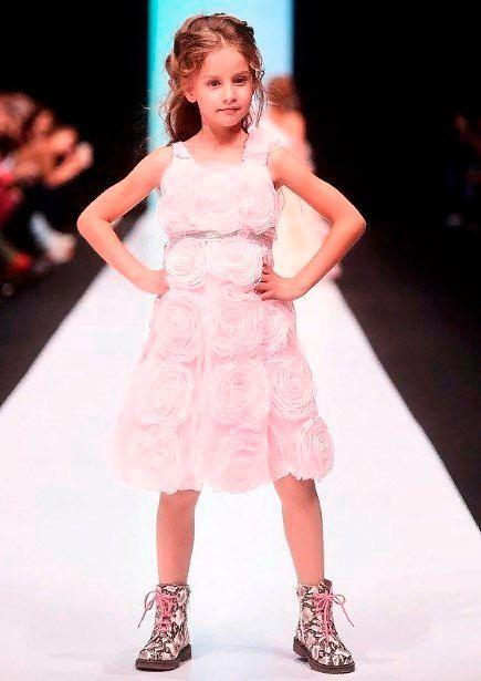 Модные платья для девочек.