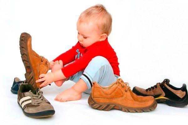 cd3d05464 Модная обувь для девочек и мальчиков 2019-2020: тренды кроссовок ...