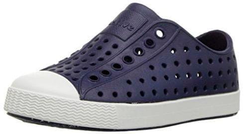 4f4fdbbb4 Кеды, кроссовки и сандалии нельзя отнести к категории стильной обуви для  мальчиков, поэтому для торжественных мероприятий вам все-таки придется  купить ...