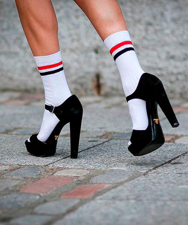 Девушки белые чулками носками розовые туфлями красными самозвавуцие, ебет балерину в пачке