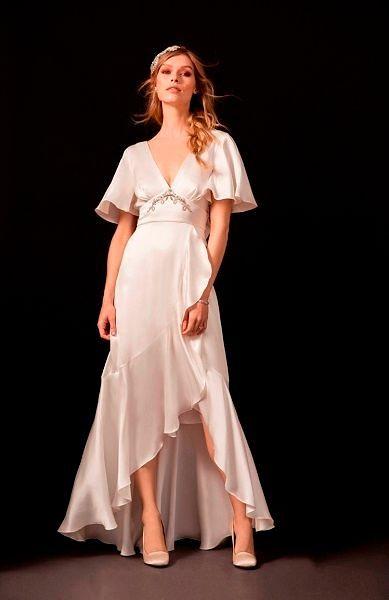 Фото №13: Модель на свадьбу в бельевом стиле