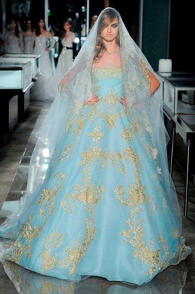 Фото №15: Оригинальный свадебный наряд