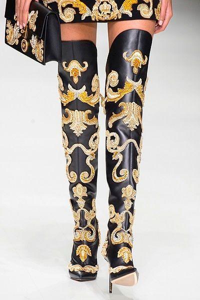 Фото №12: Ультрамодное решение от Versace