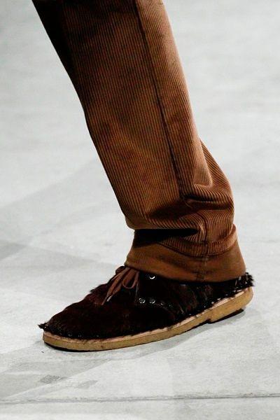Фото №23: Мужские туфли Prada