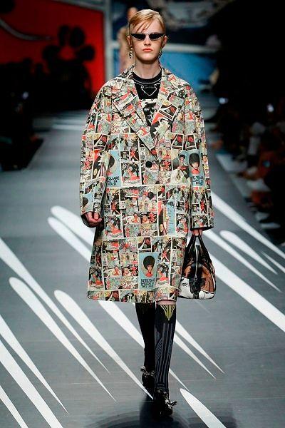 Фото №10: Пальто из весенне-летней коллекции Prada