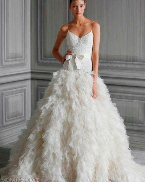 Фото №6: Свадебное платье с перьями, фото 2018