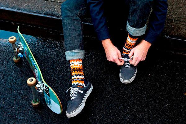 Фото №5: Яркие носки - необычный тренд этого года, фото