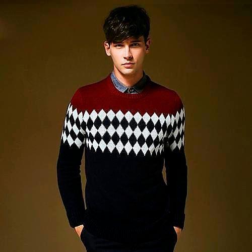 Фото №14: Модные свитеры 2018 для парней, фото