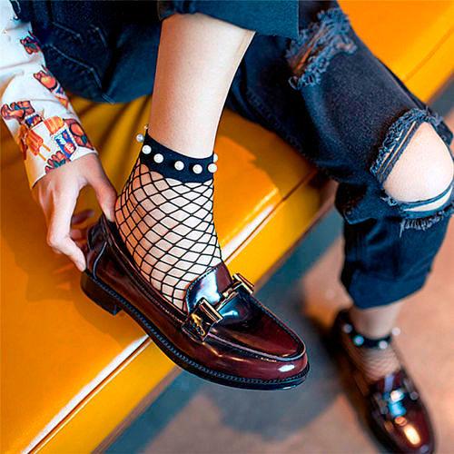 Фото №9: Модные женские носки 2018 в сетку, фото