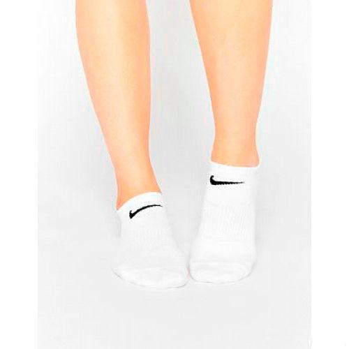Фото №10: Тенденциии тренды модных женских носков 2018, фото