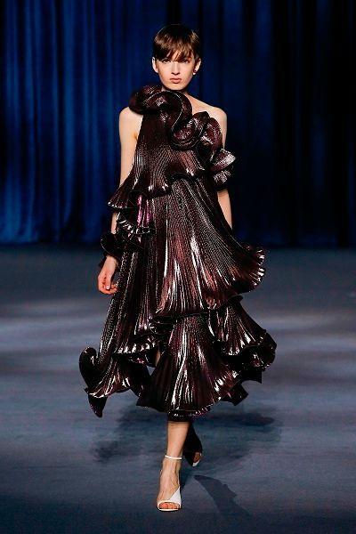 Фото №6: Идеи, в чем встречать Новый год 2019 для поклонниц бренда Givenchy