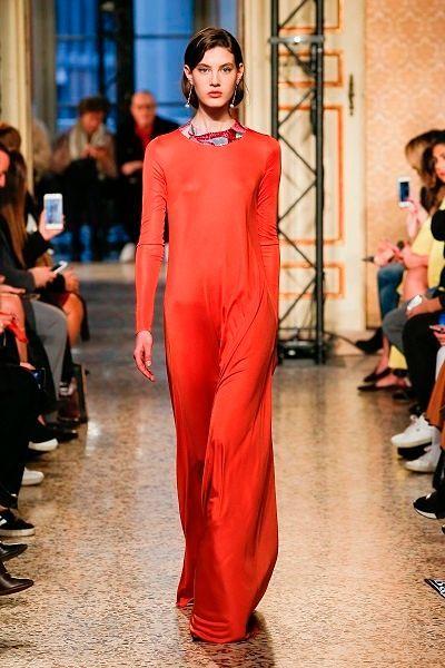 Фото №7: Модные платья на Новый год 2019 если вам больше всего нравятся красные тона