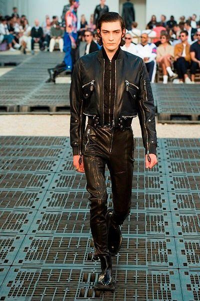 Фото №16: Модная замена антитренду 2019 года для мужчин