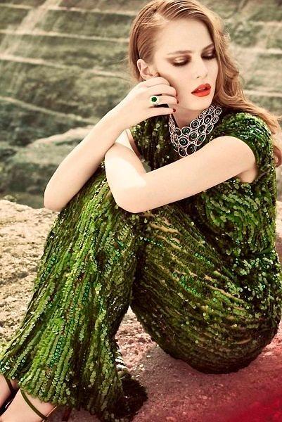 Фото №14: Мейк-ап под оливковое платья