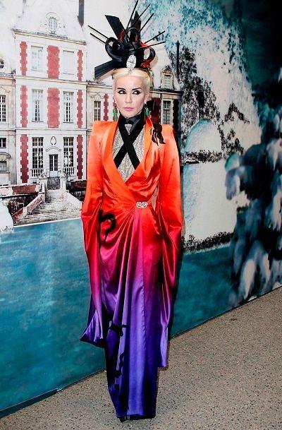 Фото №12: Дафна Гиннесс в модном наряде.