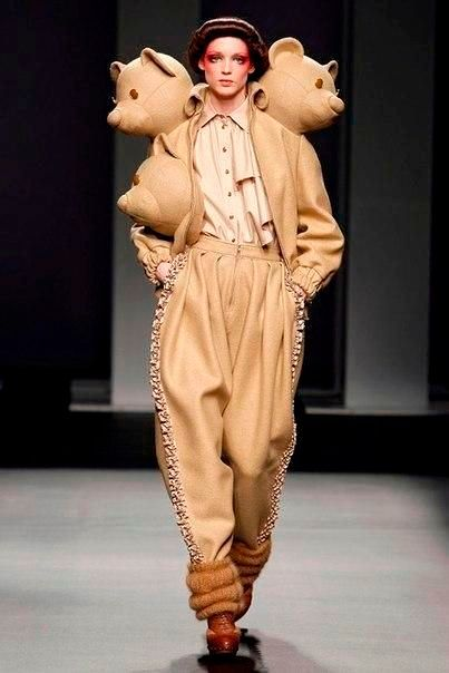 Фото №13: Наряд в стиле Ugly fashion.