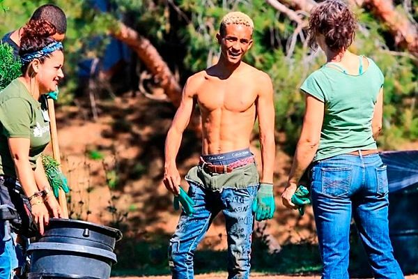 Фото №7: Модные спущенные штаны.
