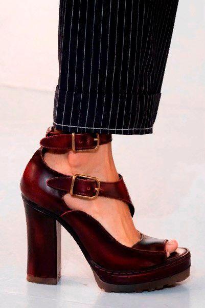 Фото №7: Обувь, которая вышла из моды 2020 года.