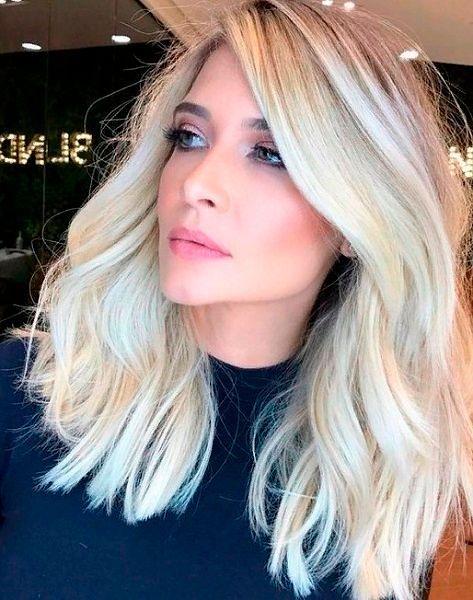Фото №11: Модное окрашивание волос 2020 для блондинок.