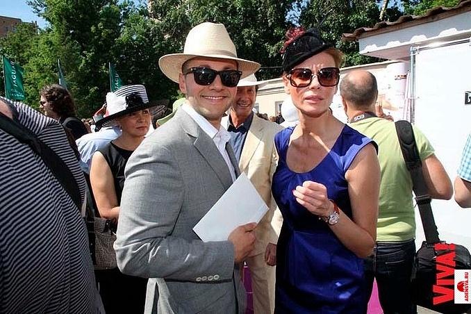 https://www.adensya.ru/ui/yuliya-suhareva/image/lyubov-tolkalina-i-vyacheslav-manucharov.jpg